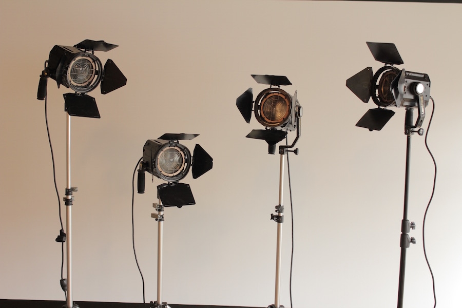 650W Tungsten Fresnel package 1