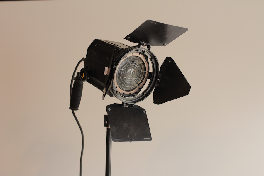 650W Tungsten Fresnel package 3